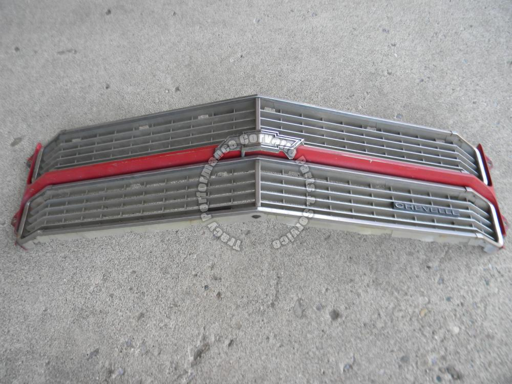1970 Chevrolet Chevelle Malibu Used Front Grille Grill w/Emblems, Original Piece