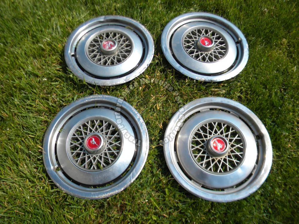 1974-1978 Ford Mustang II Fair Used 13 Inch Hubcaps/4, Driver, Not Show Quality
