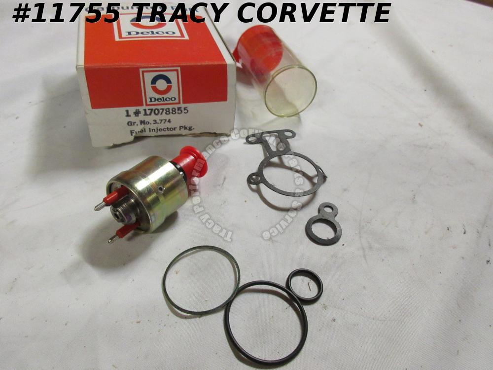 1982-1983 Camaro 5.7L NOS 17078855 5234255 Front Fuel Injector Assembly 82 1983