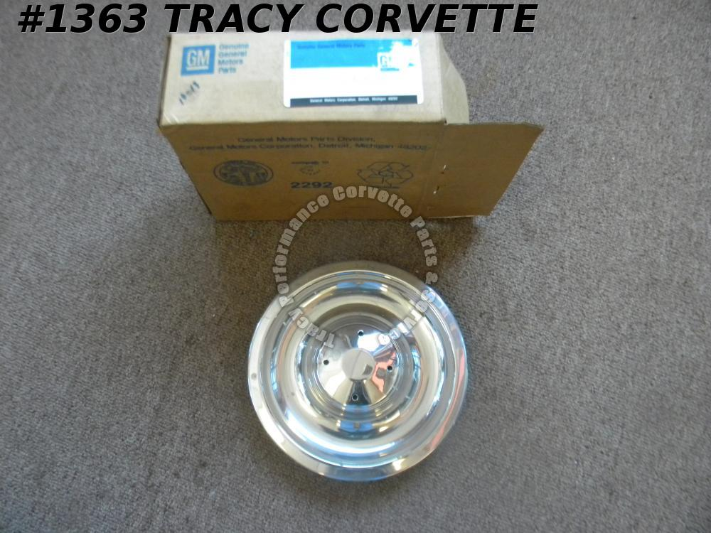 1967 GM Chevy Corvette NOS 3901712 1 Wheel Cover Center Cap w/o Center Ornament